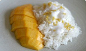 Khao Niaow Ma-Muang (Mango and sticky rice)