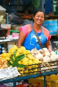 Woman-selling-food-Thailand