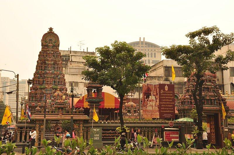 Wat_Khaek_Silom_Sri_Mariamman_Hindu_temple_in_Bangkok_Thailand