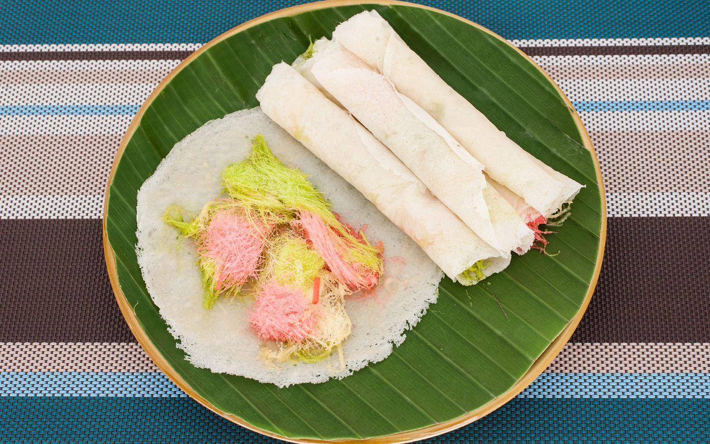 Thai-Roti-Sai-Mai-91978532